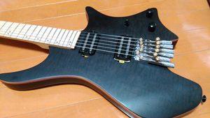 生まれ変わったヘッドレスギター